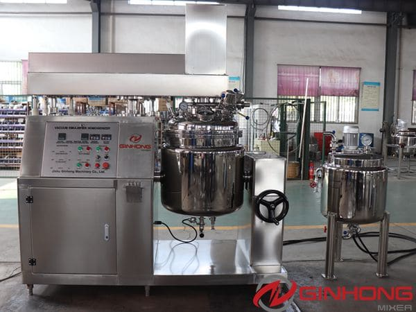 Syrian Customers Inspected RS-100L Vacuum Emulsifying Mixer in Ginhong