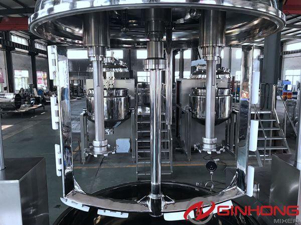 1200L vacuum triple shaft mixer