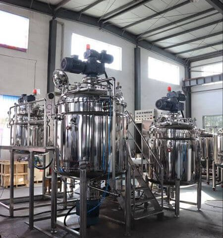 Nigerian Customer Came to Ginghong for Inspection of 1000 liters Vacuum Homogenization Mixer
